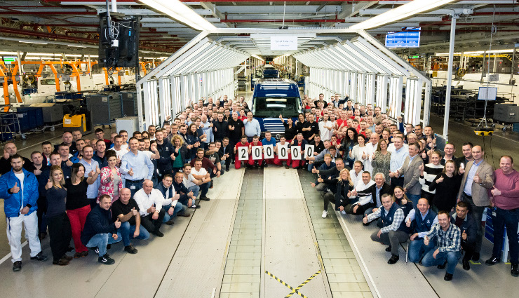 Milestone for Volkswagen Commercial Vehicles Września plant output hits 200,000 units
